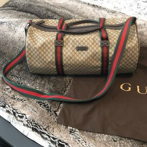 Gucci - GG Supreme cylinder  bag